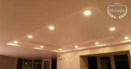 Многоуровневый натяжной потолок со встроенным освещением в Хабаровске
